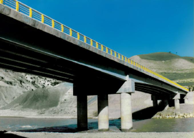 پل هلایجان به دلیل کمبود اعتبار نا تمام است/ساخت تقاطع غیر هم سطح در ایذه