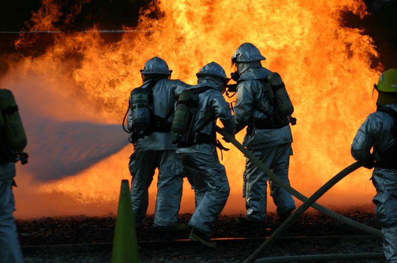 امکانات آتشنشانی ایذه در طول دهههای اخیر تقلیل یافت/نیاز شدید به تجهیزات آتشنشانی در ایذه داریم/آتشسوزی مزارع در صدر اتفاقات ایذه است