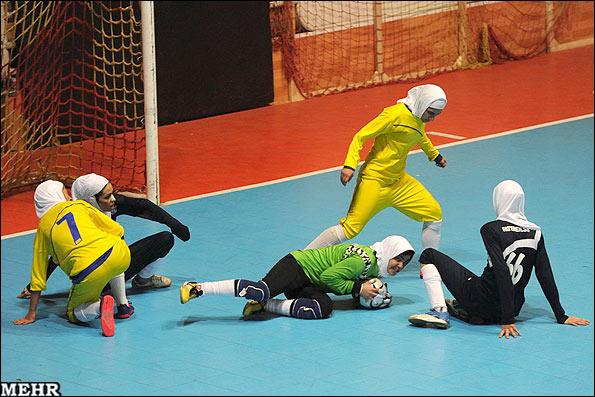 پایان اردوی تیم ملی فوتسال در اصفهان با حضور 3 بانوی ایذهای