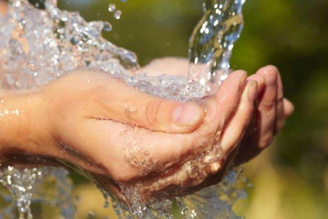 مسئولان: آب مشکلی ندارد/مردم: به مشکل آگاهید؛ ۴ سال درگیر آب آلودهایم!