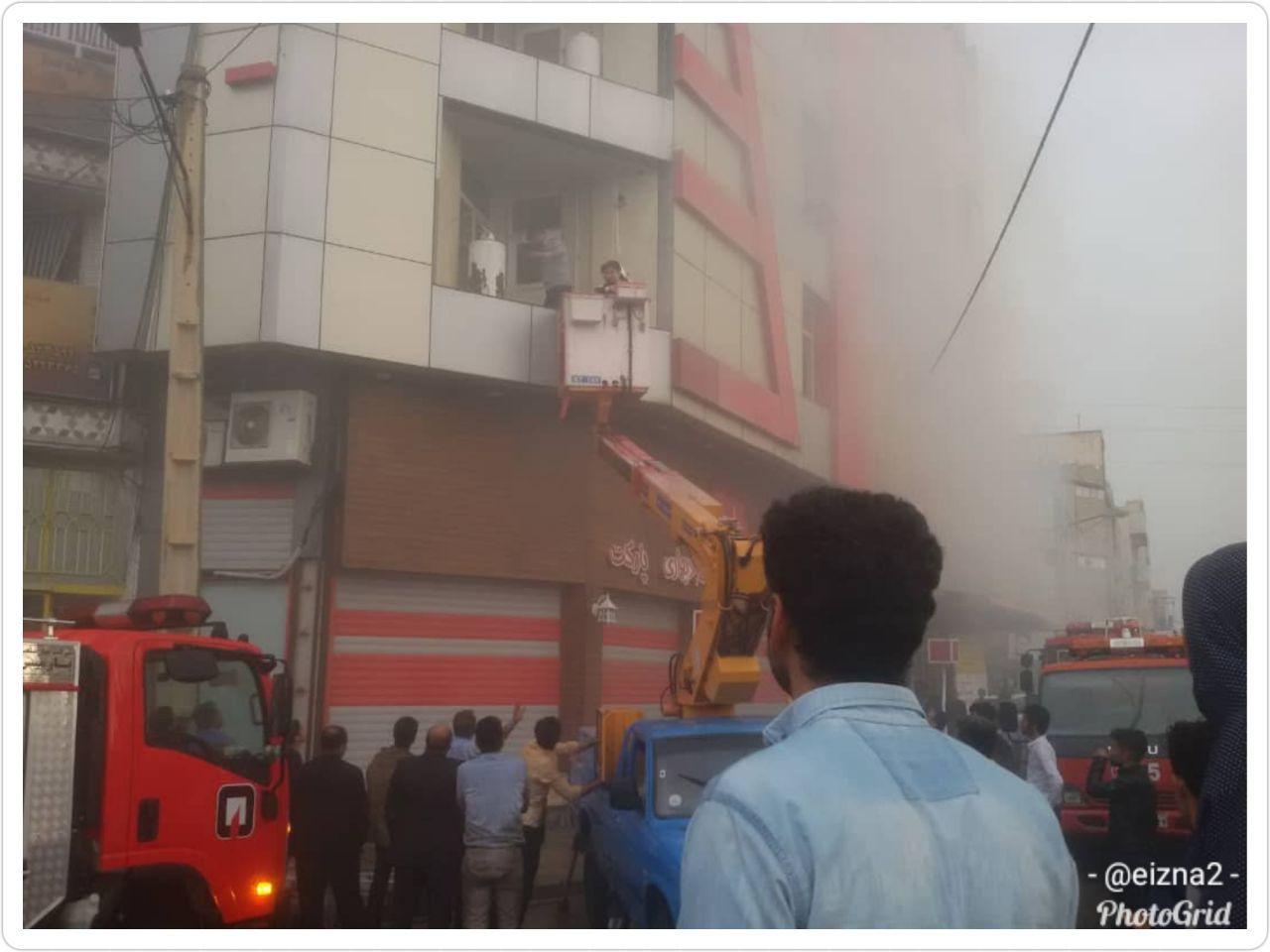 جزییات آتش سوزی در واحد آپارتمانی میدان شهدا ایذه/ ۲ آتش نشان مصدوم شدند