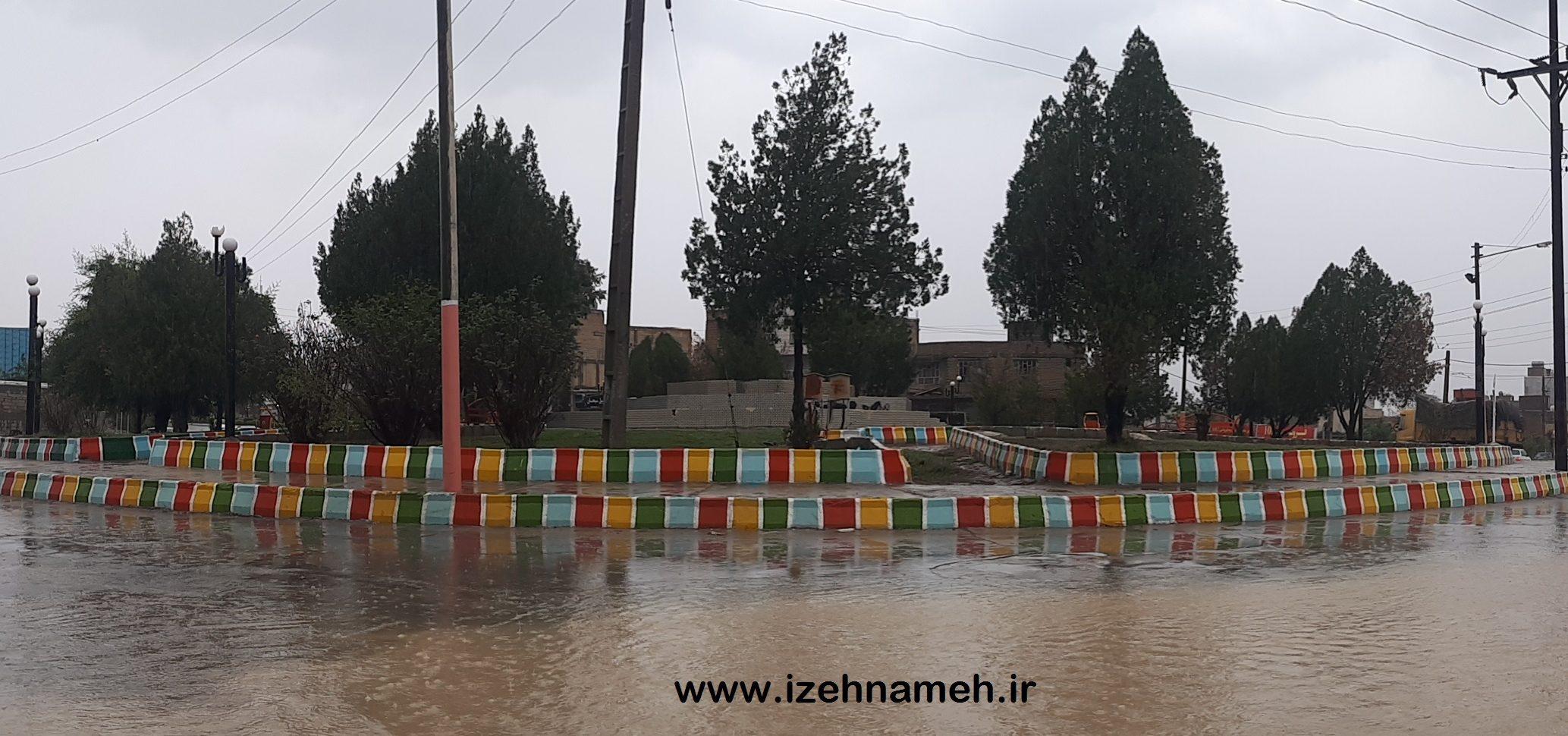 باران مراکز آموزشی ایذه و سوسن را تعطیل کرد/معابر عمومی زیر آب رفت