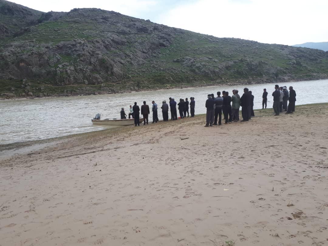 پیدا شدن جسد یکی از مفقودان حادثه غرق شدن قایق در سوسن