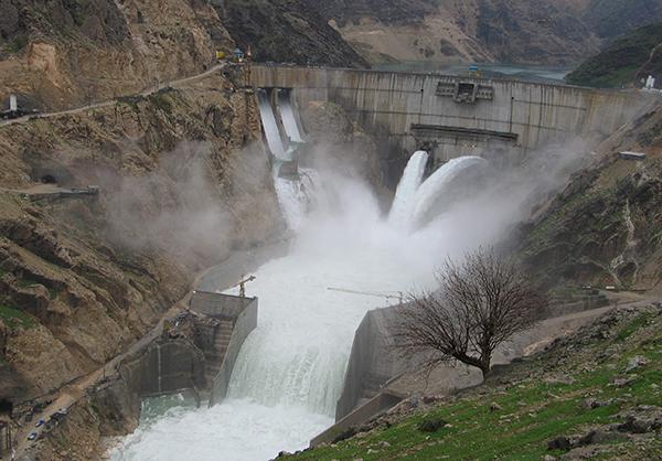 اعلام شکایت فعالان محیطزیست خوزستان از وزیر پیشنهادی وزارت نیرو/ امتداد سیاستهای ضد محیطزیستی انتقال آب برنامه های روشن «بیطرف»