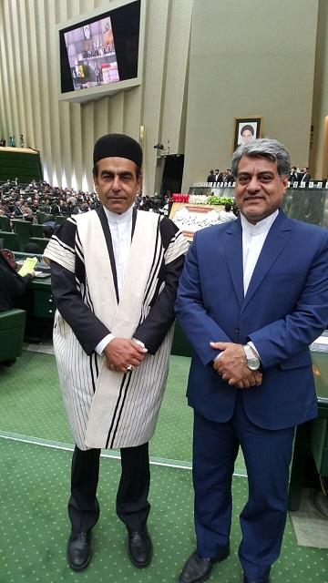 نماینده مردم ایذه و باغملک با لباس اصیل بختیاری در مجلس
