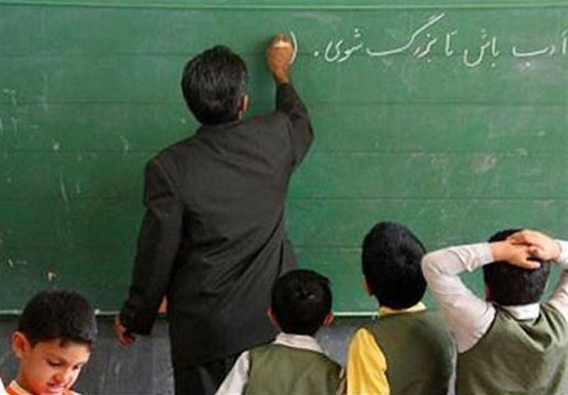 جامعه فرهنگیان ایذه در عزای معلمان جانباخته خود در کرونا