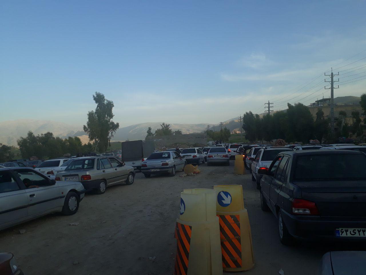 ترافیک شدید در ورودیهای شهر ایذه/ترافیک روان در محورهای ایذه – اهواز و ایذه – شهرکرد